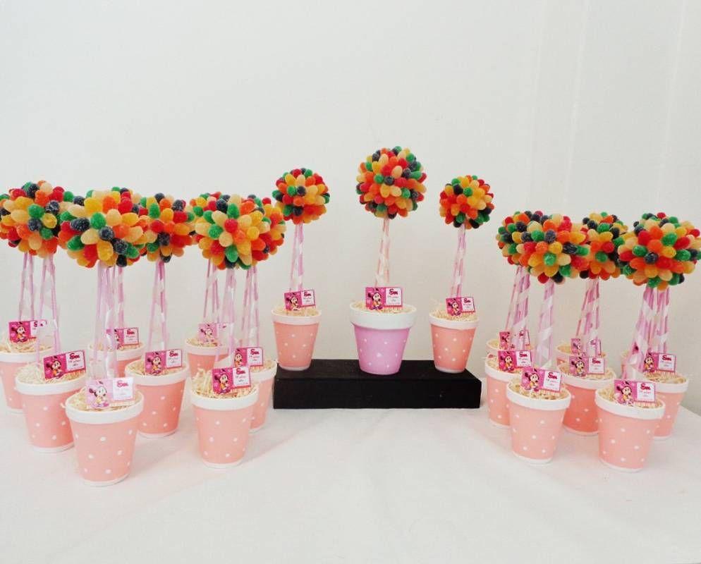 Centros De Mesa Con Golosinas Y Globos Para Fiestas Infantiles Dulces Para Fiestas Infantiles Centros De Mesa Con Dulces Dulces Para Fiestas