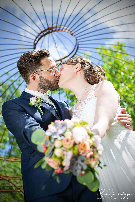 Der Kuss Das Schonste Zeichen Der Liebe Hochzeitsfotografie Hochzeitsfotograf Hochzeit Hochzeit201 Hochzeitsfotografie Hochzeitsfotograf Schone Zeichen