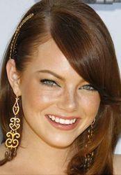 Emma Stone: 3 Styling Tricks for Round Face Shape 3 wear long dangly earrings