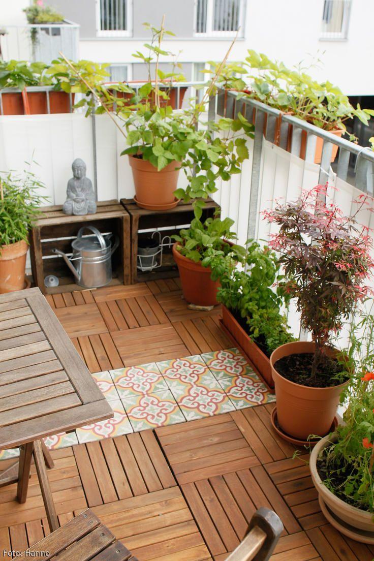 die gr ne oase balkon mit einem holzboden von ikea und. Black Bedroom Furniture Sets. Home Design Ideas