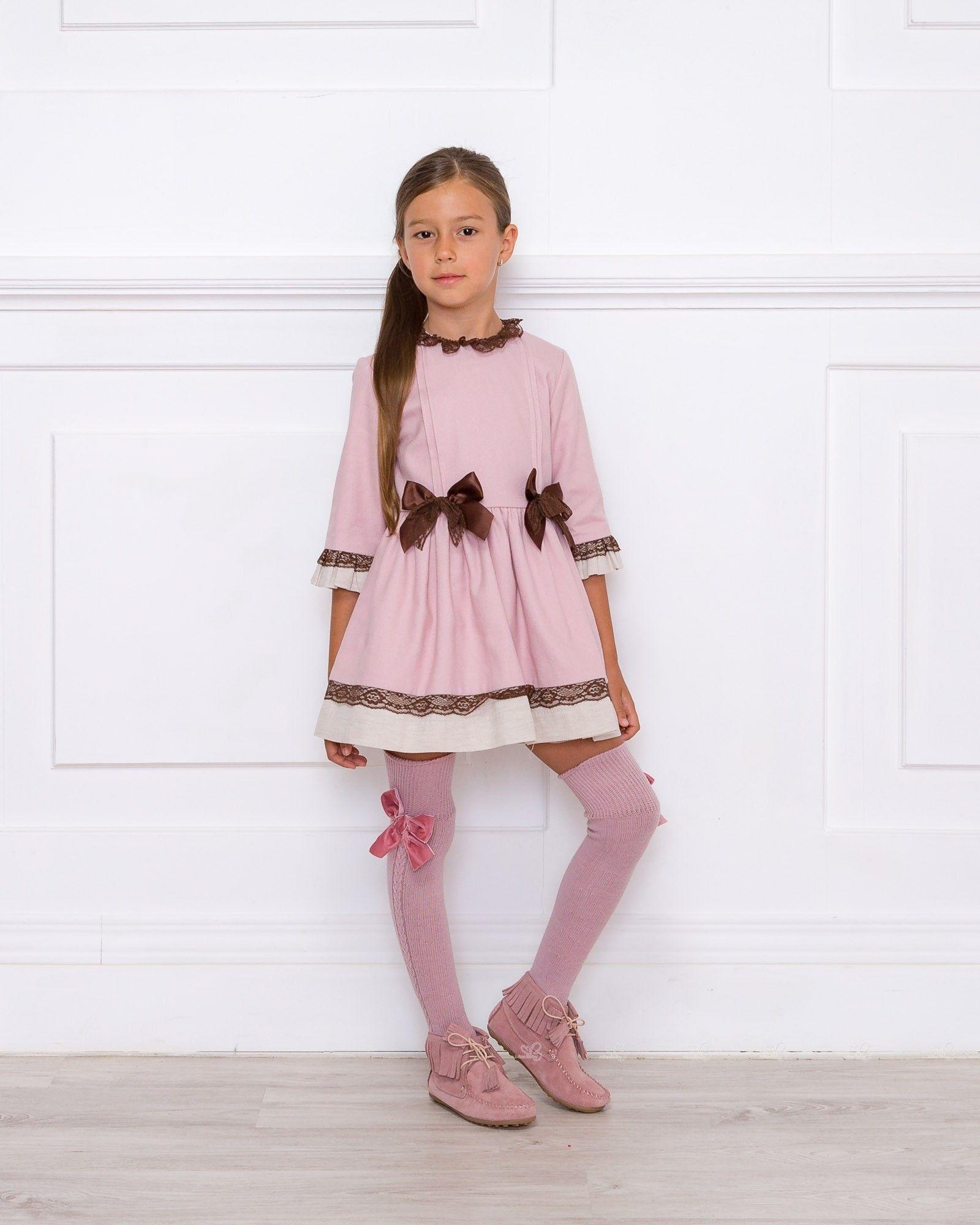 7a84664b2 Outfit Vestido Rosa Palo   Chocolate Dolce Petit Vestidos Dolce Petit