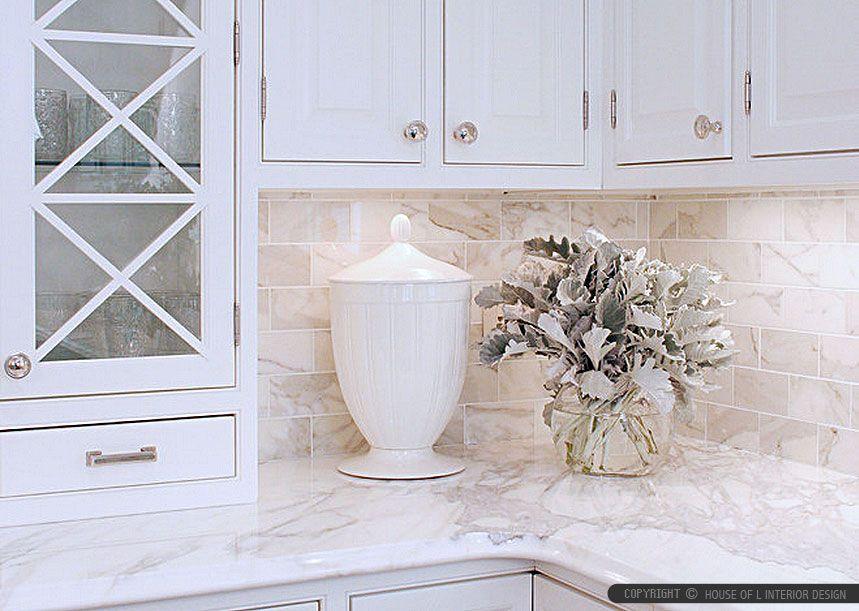 calacatta gold marble backsplash