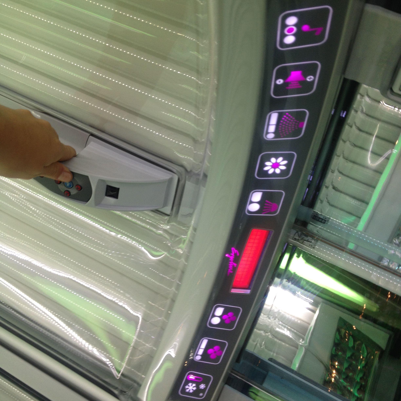 Presentation Des Options Des Solariums Ergoline Prestige 1000 Climatronic Chaleur De La Cabine Uv Jusque 30 C Ventilati Tanning Bed High Tech Car Door