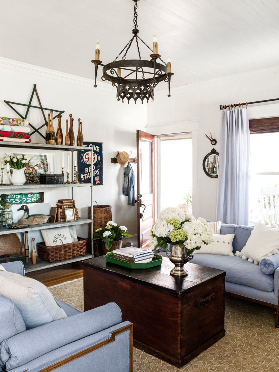 5 Small-Space Decorating Secrets to Steal from a Set Designer ...