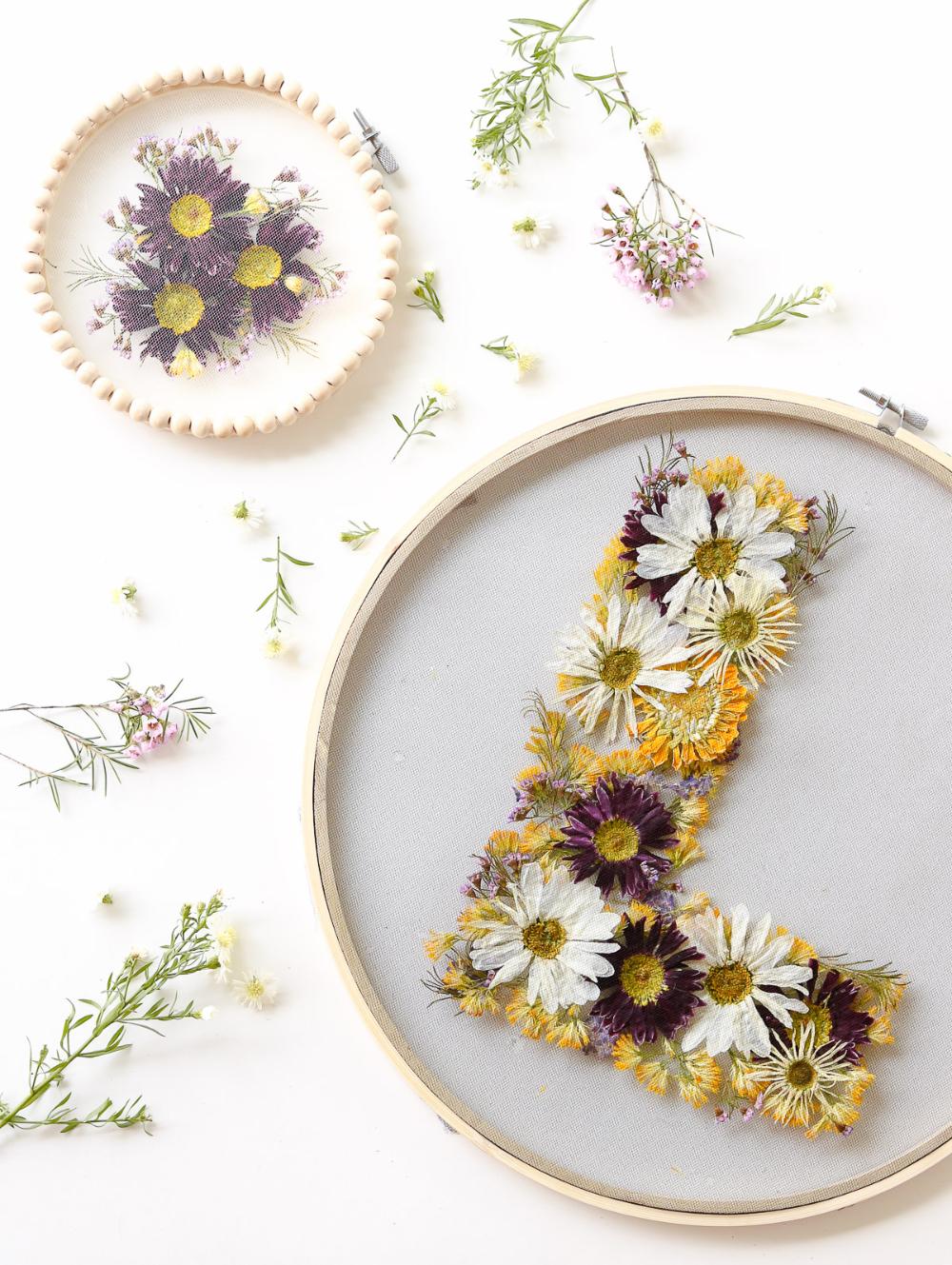 DIY – Gepresste Blumen in 3 Minuten + Tulle FLORAL HOOPS