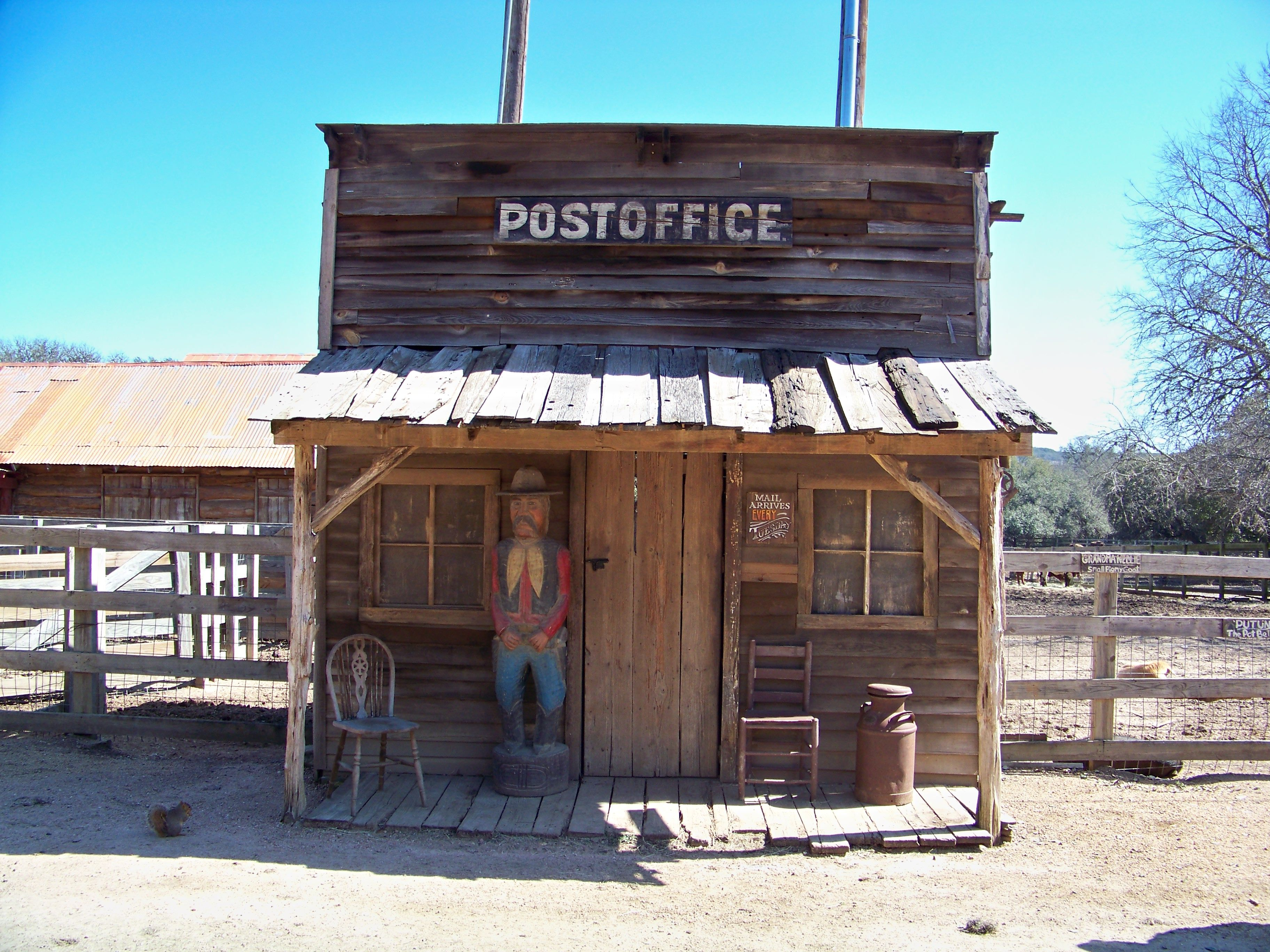 10 wild west town by on