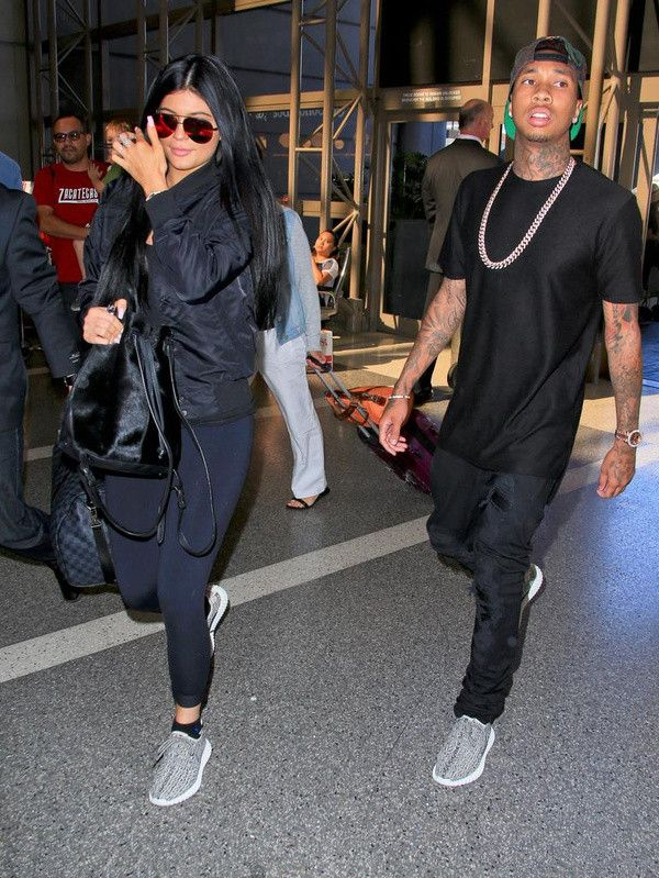 YEEZY BOOST 350 Celebrity same style
