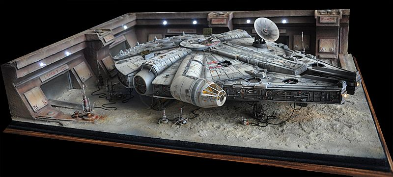 Maquette star wars millenium falcon starwars pinterest for Interieur faucon millenium