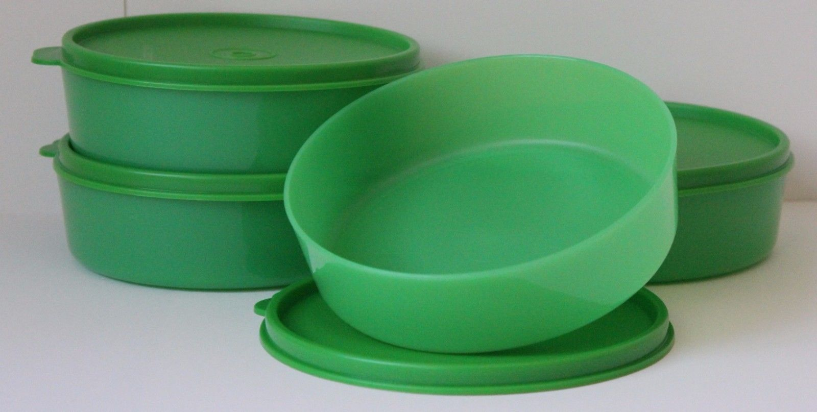Tupperware Medium Wonder Cereal Bowl 1 1 2 Cup Set Of 4 Green New In Package Tupperware Cereal Bowls Cupping Set