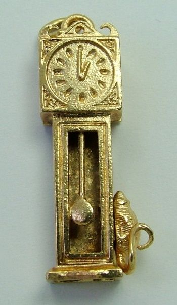 Old English Charm: Large 1978 English 9ct Gold Charm Of A Grandfather Clock