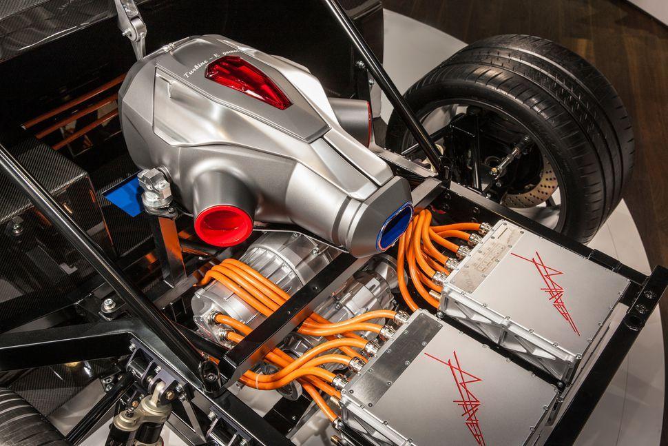 Techrules Turbine Recharging Electric Vehicle