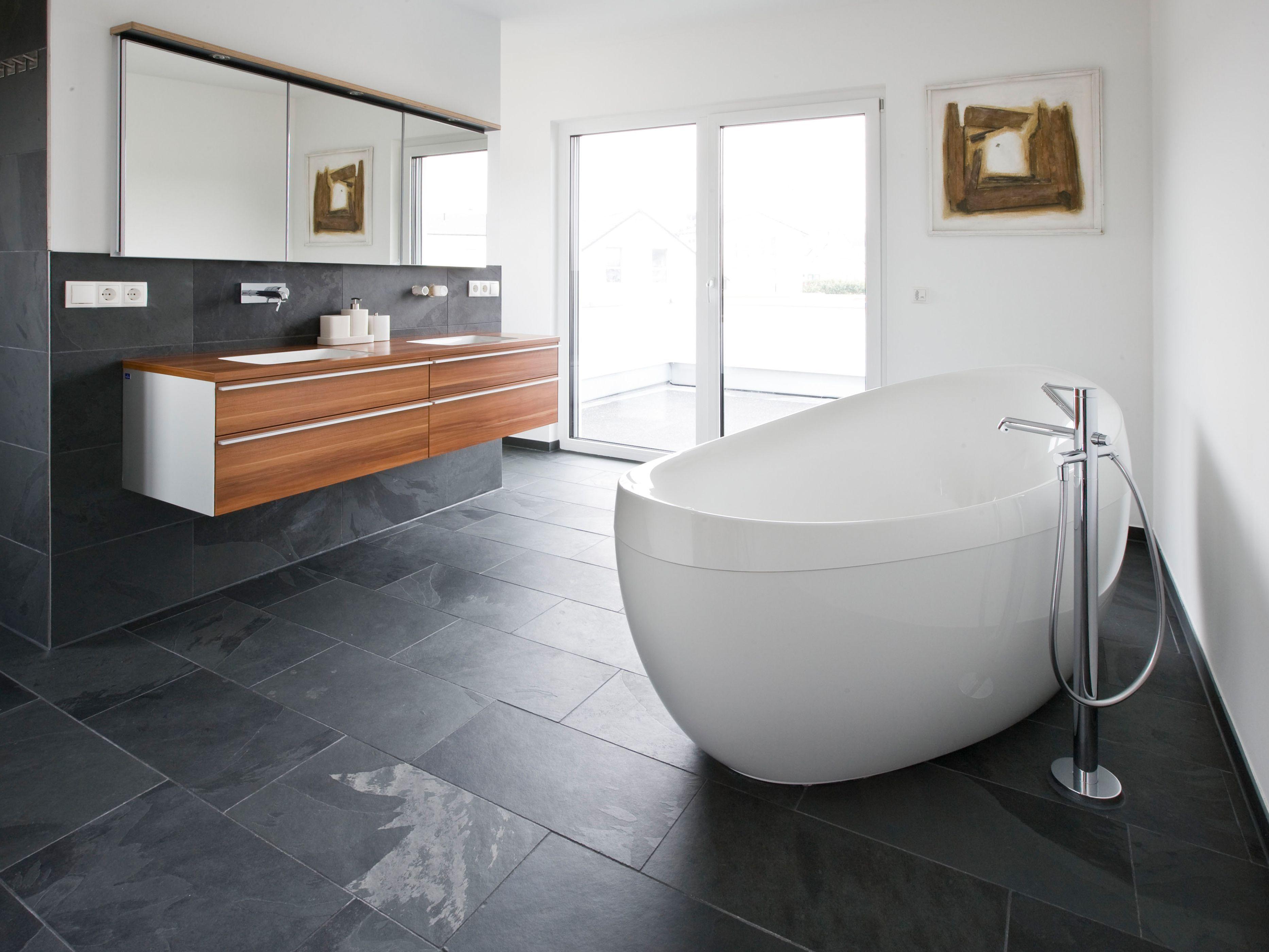 badezimmer modern schiefer (With images) | Modern bathroom ...