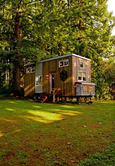 Look Inside This Dream Lady Builds Her Own Tiny Home After Her Kids Grow Up Tiny House Small House Small House Living