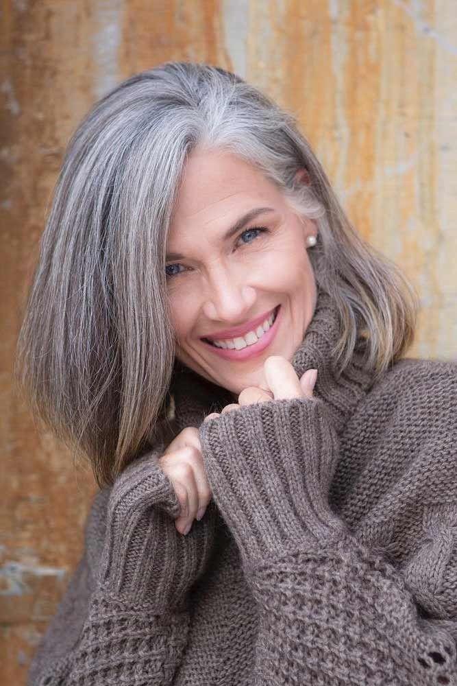 pingl par ja l azzaretti sur cheveux gris pinterest cheveux gris femme cheveux gris femme. Black Bedroom Furniture Sets. Home Design Ideas