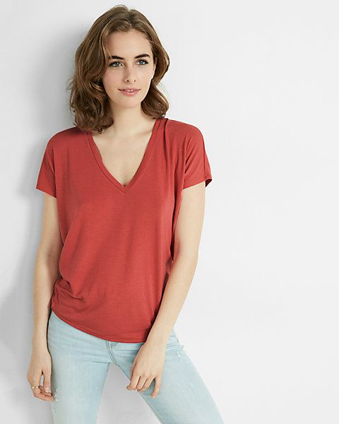 express one eleven v-neck london tee in Chili Pepper