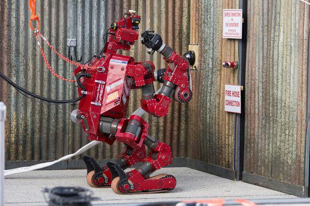 Los 8 increíbles robots finalistas de la competición de la DARPA. http://bit.ly/1d9zaxh