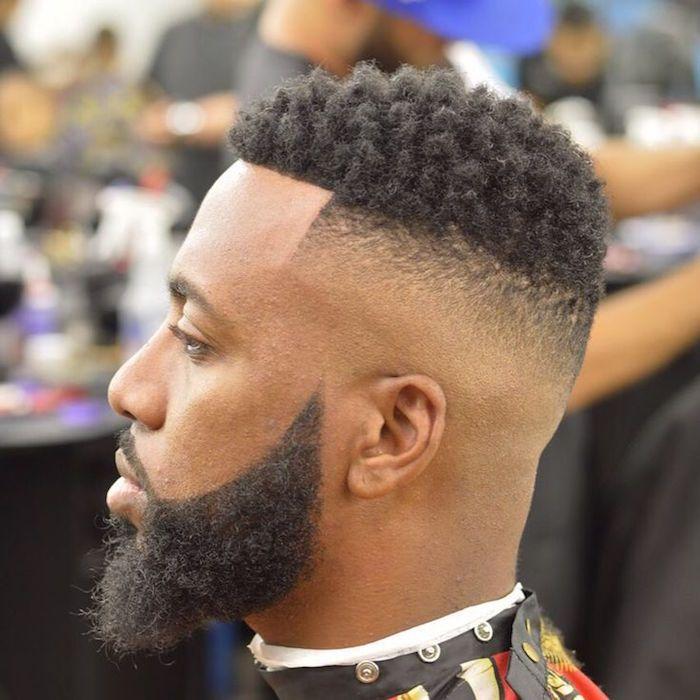 Taglio capelli uomo di colore