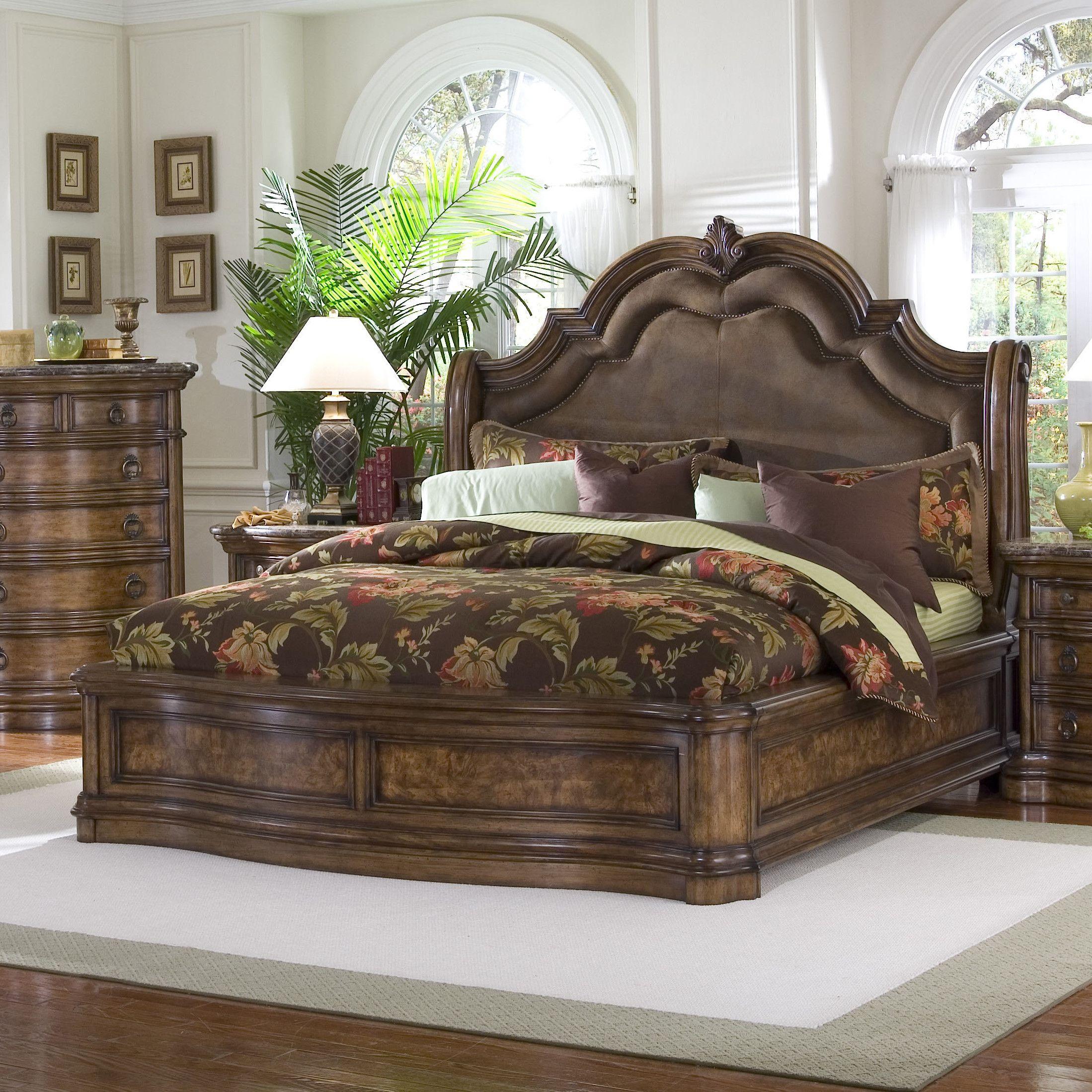Pulaski Furniture San Mateo Upholstered Panel Bed
