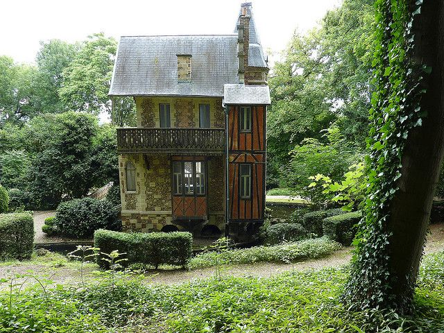 ✕ Darling beyond words can describe | ♕ | Château d'If - Alexandre Dumas' cottage | by © Jean-F. Bouzereau / #cottage #home