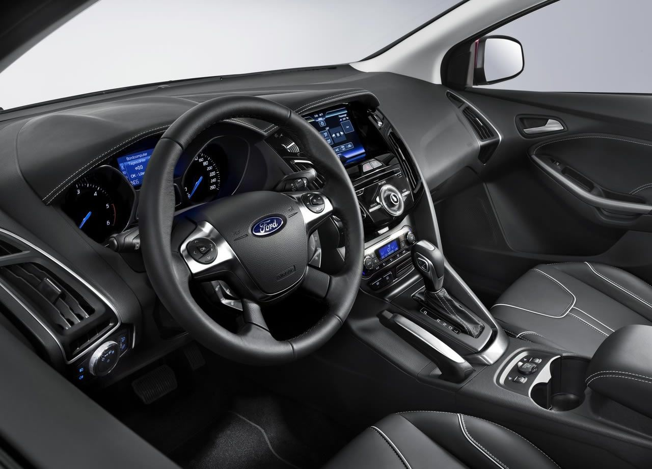 Novo Focus Hatch 2014exterior Ford SuperautoRio Grande