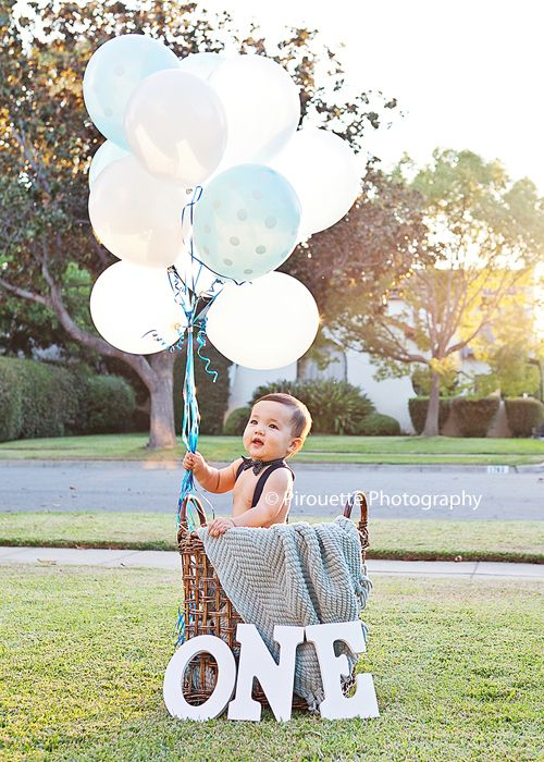 How to style baby's first photo session #baby #firstbirthday #birthday #kidfashion #southerncaliforniaphotographer #kidphotographer #childphotographer #babyphotographer #pasadenaphotographer  PirouettePhotography_Pasadena Newborn and Children Photographer #babyboy1stbirthdayparty