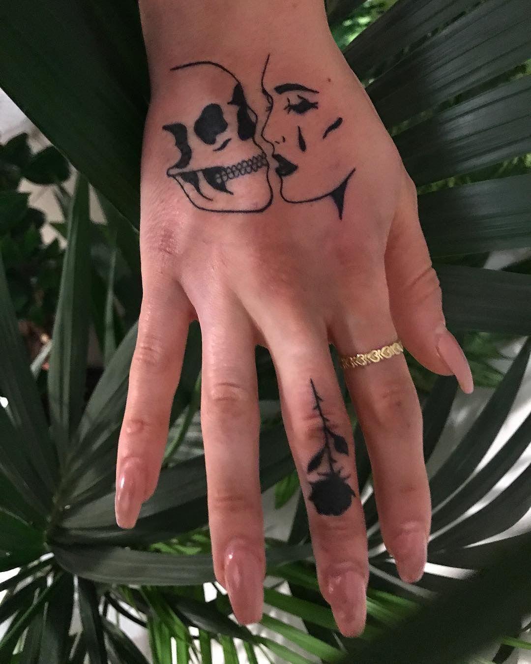Картинки татуировок на пальцы