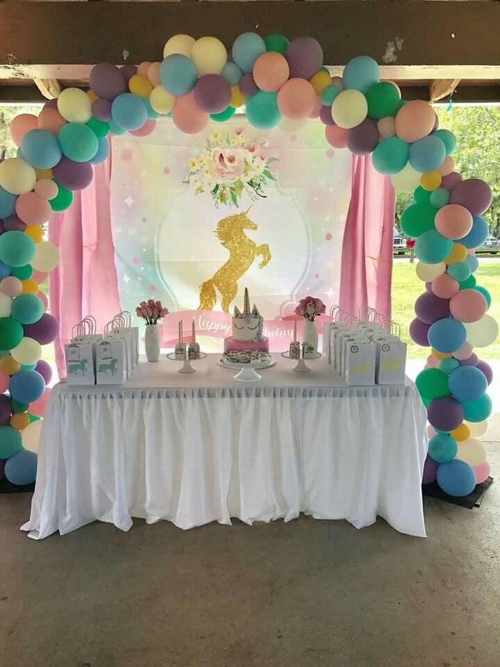 Fiesta tem tica unicornio unicornio fiesta de - Decoracion primer cumpleanos ...