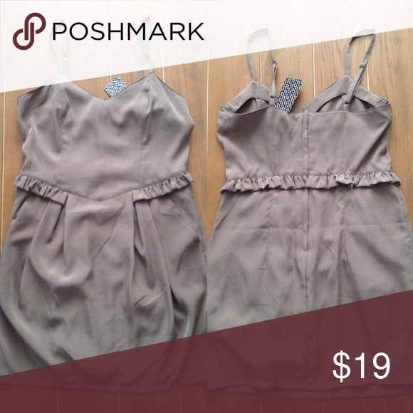 H&M Dress Cheaper on Ⓜ️! Please ask how to find me! Light brown dress in size 6 in US. Tags still attached, never worn. H&M Dresses