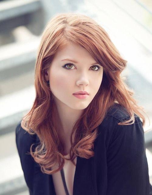 Gorgeous redhead babe