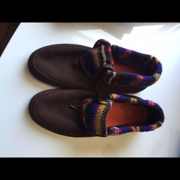 Vans Mohikan Shoes Never worn! Great slip on shoe! Women's size 6 Vans Shoes Sneakers