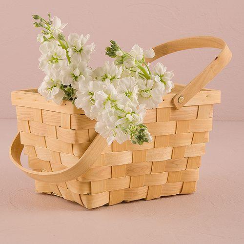 Cute picnic basket flower vase decorations for weddings!