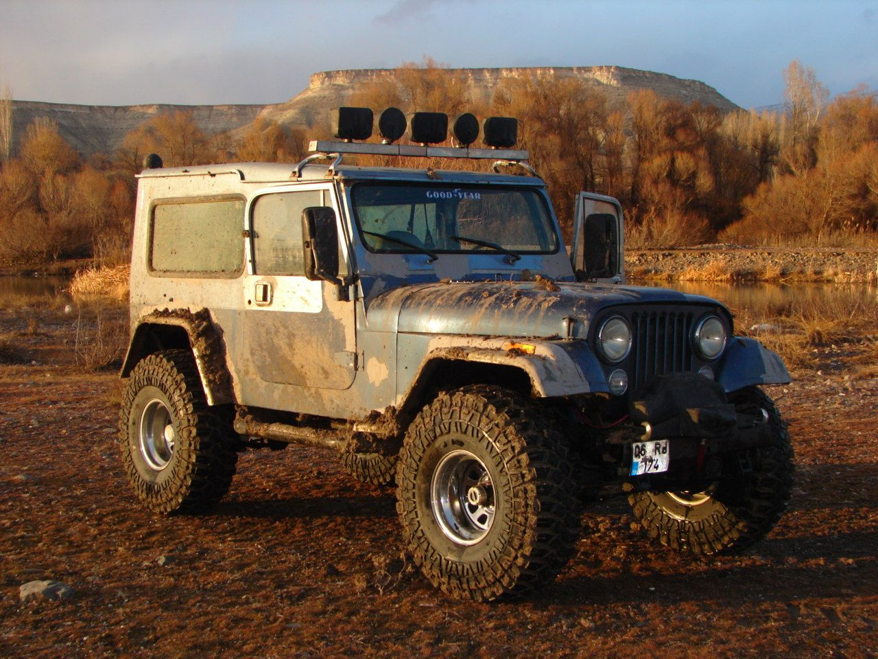 Interesting Hard Top On This Cj7 Looks Almost Rover Inspired