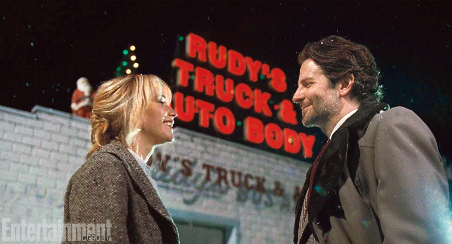 """Jennifer Lawrence and Bradley Cooper in their new movie """"Joy"""""""