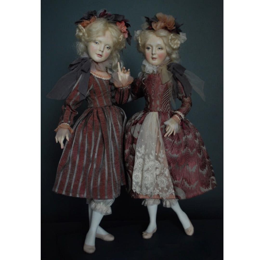 Шура и Мура. Это для своих. А для всех остальных Александра и Мария. Около 45 см. paperclay #куклы #мимими #костюм #art #artdoll #doll #dress #design #мояработа #девочки #кукла #dollartriga2015