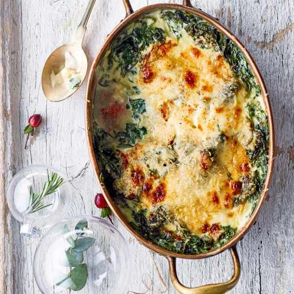 Creamed spinach with Nutmeg and gruyère Creamed spinach, Spinach