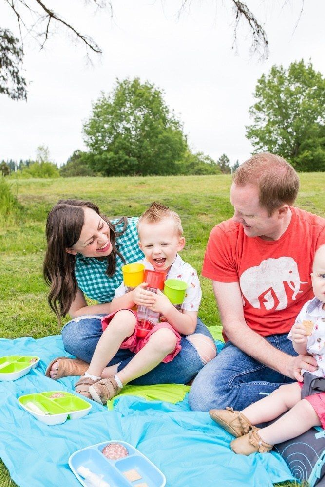 Family Picnic Ideas for An Easy Family Outing - Friday We're in Love