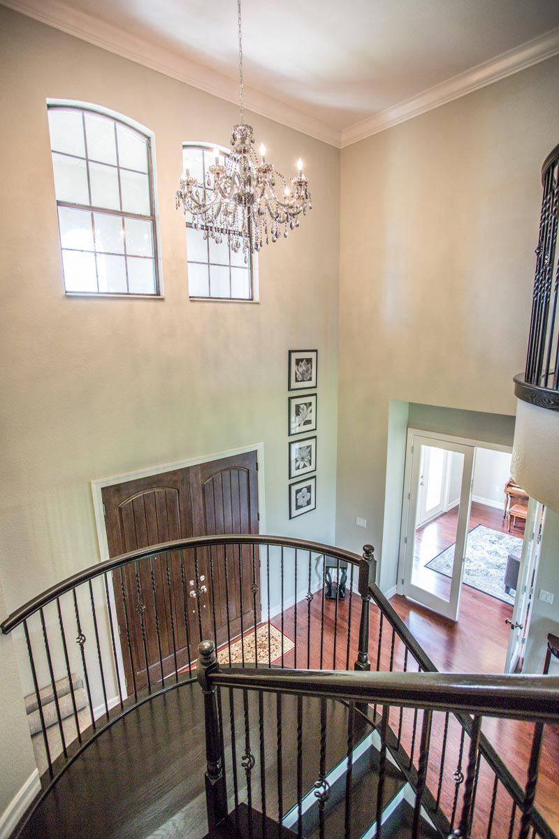 IMMACULATE GOLF FRONT ESTATE IN EAGLE CREEK! 5 Bedrooms/5