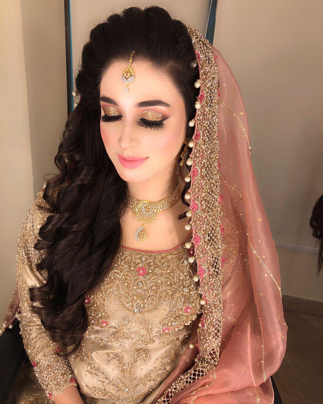 Pakistani Hairstyles Buns: Pakistani Brides Giving Major Bridal Hairstyle Goals