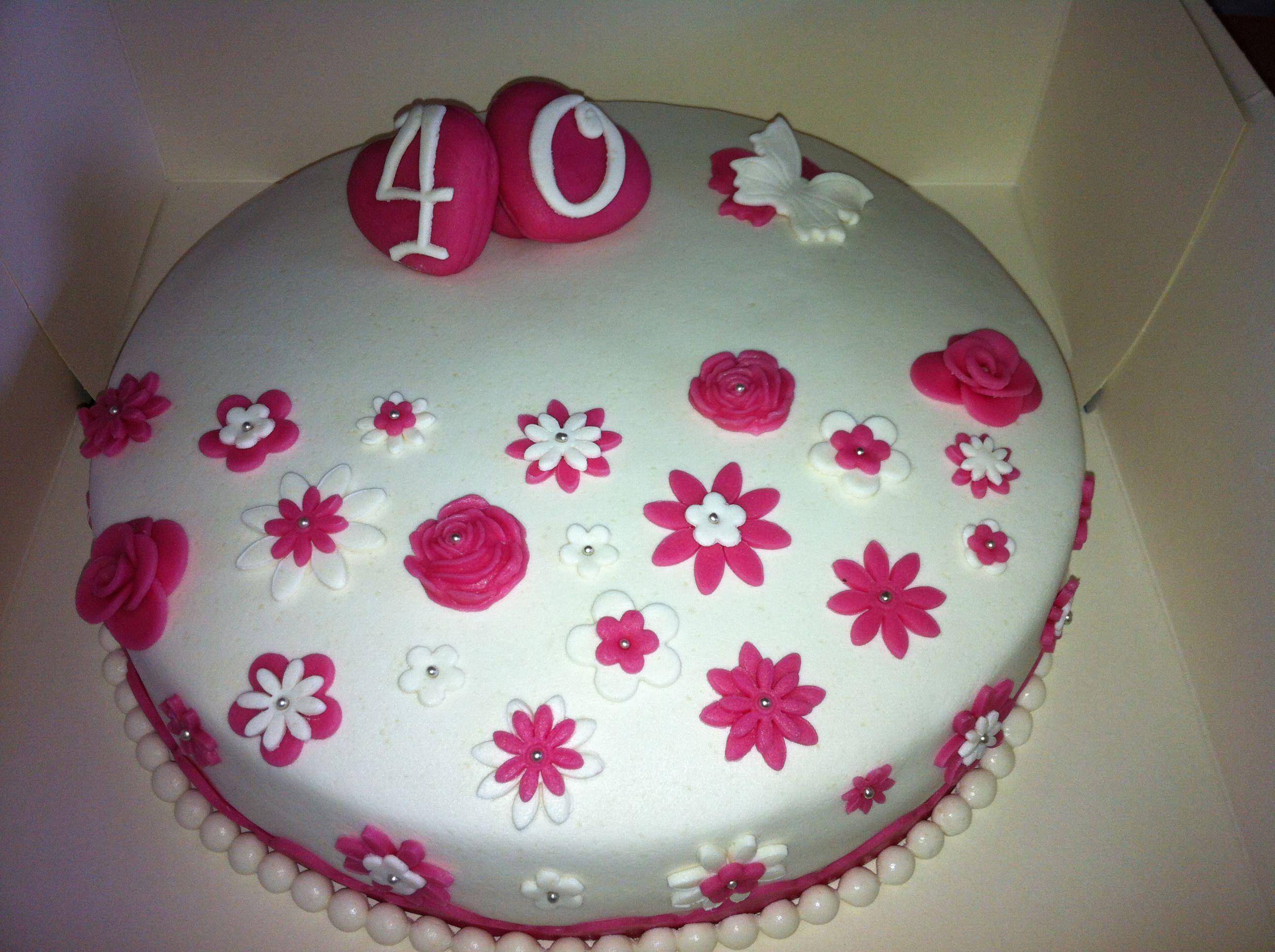 Super Taart 40 jaar getrouwd (vulling bonbonbloccreme/kersenjam) #cake TS-42
