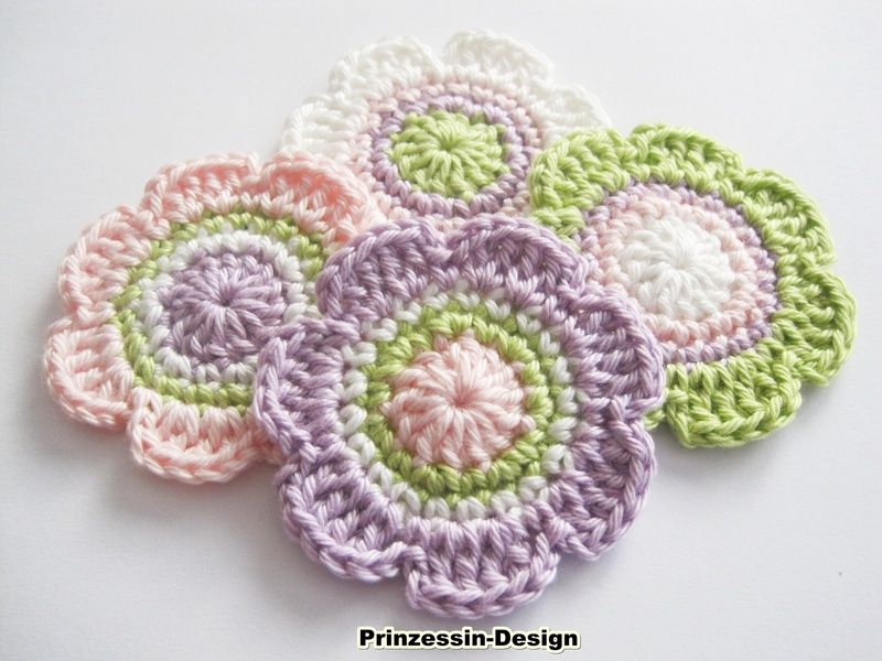 Crochet patches – Crochet flowers – a unique product by Prinzessin-Design on DaWanda