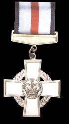 1993-10-00 Britain's Conspicuous Gallantry medal established