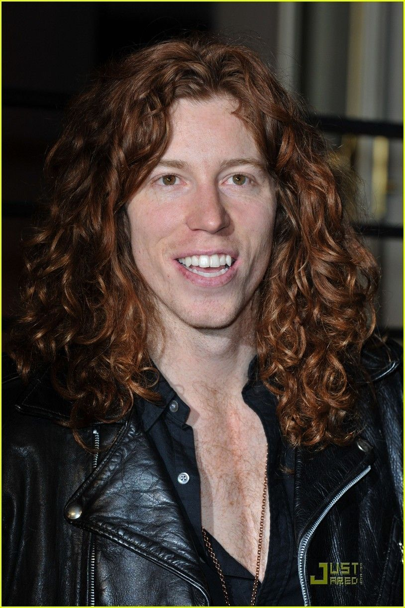 Shaun White Aka The Flying Tomato Curly Hair Styles Men S Curly Hairstyles Growing Out Short Hair Styles