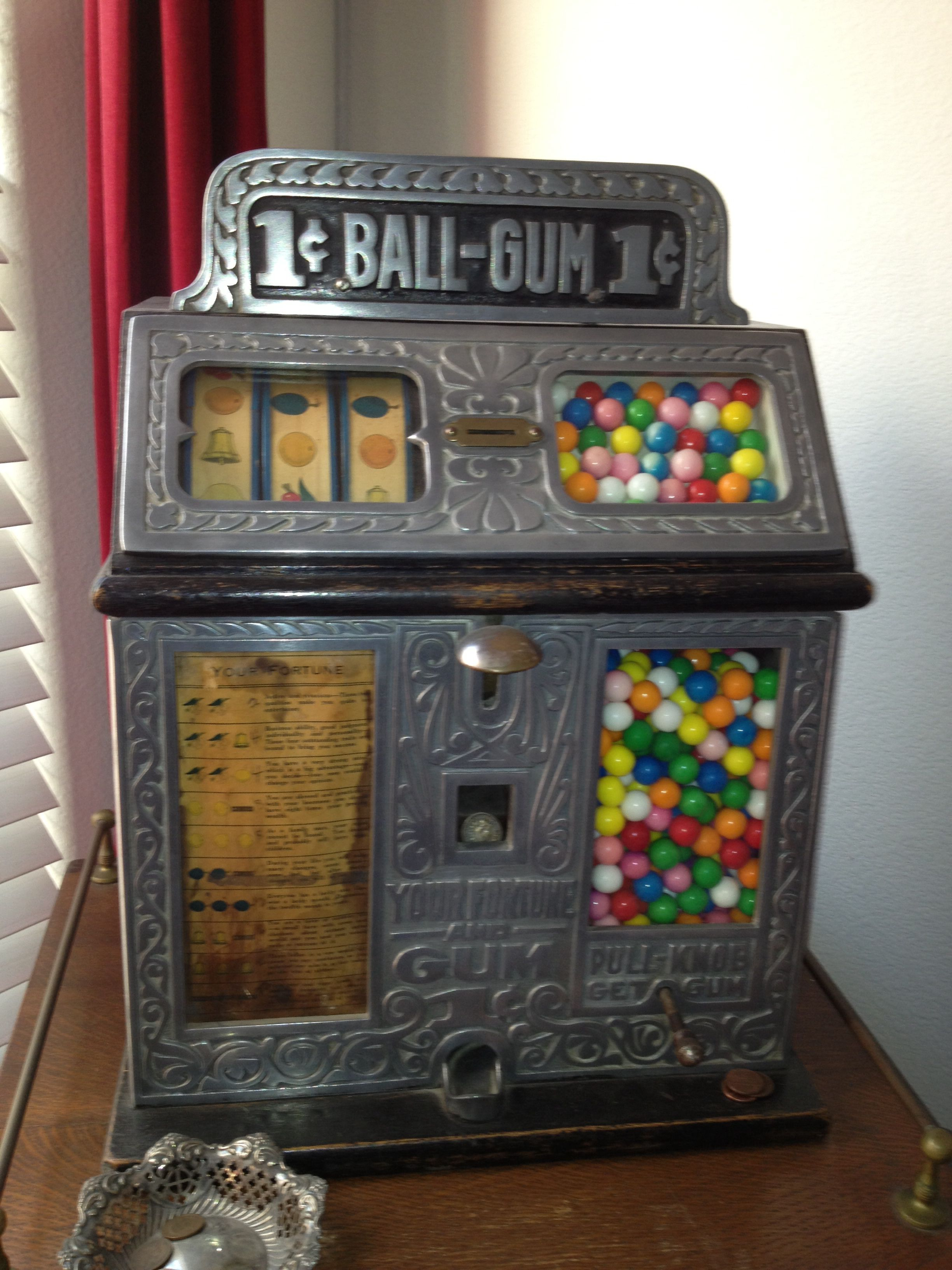 Country Store Slot/Gum Machine Antiques Gumball