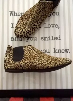 ae0ab039dd Pin by Felicity McElhinney on My Vinted Closet | Shoe boots, Shoes ...