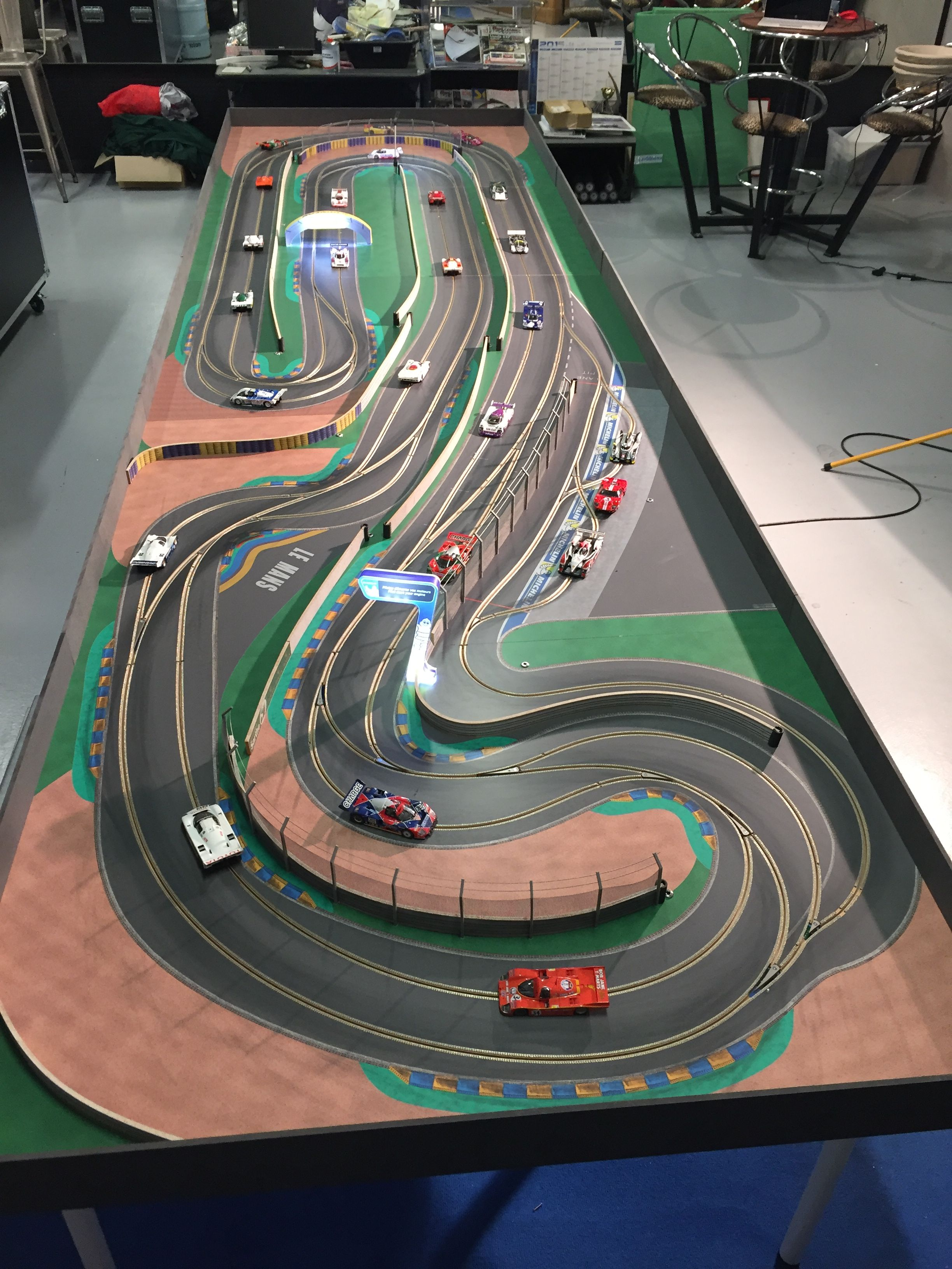 Cuuuuurves Posted Image Might Contain Tons Of Hours Of Fun Slot Cars Slot Car Tracks Slot Car Racing