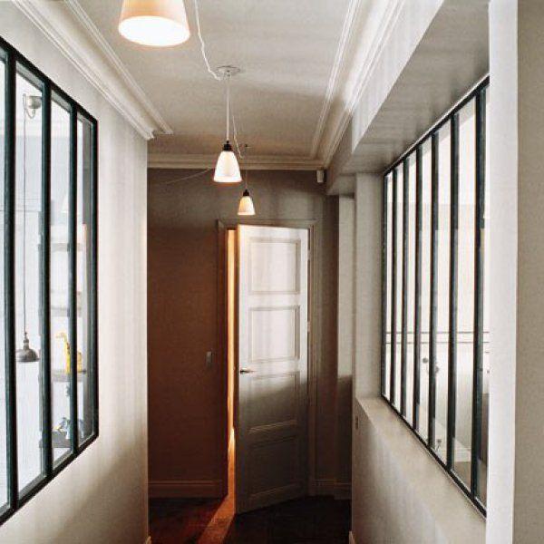 A Paris, un duplex comme une maison de famille Divider and Room