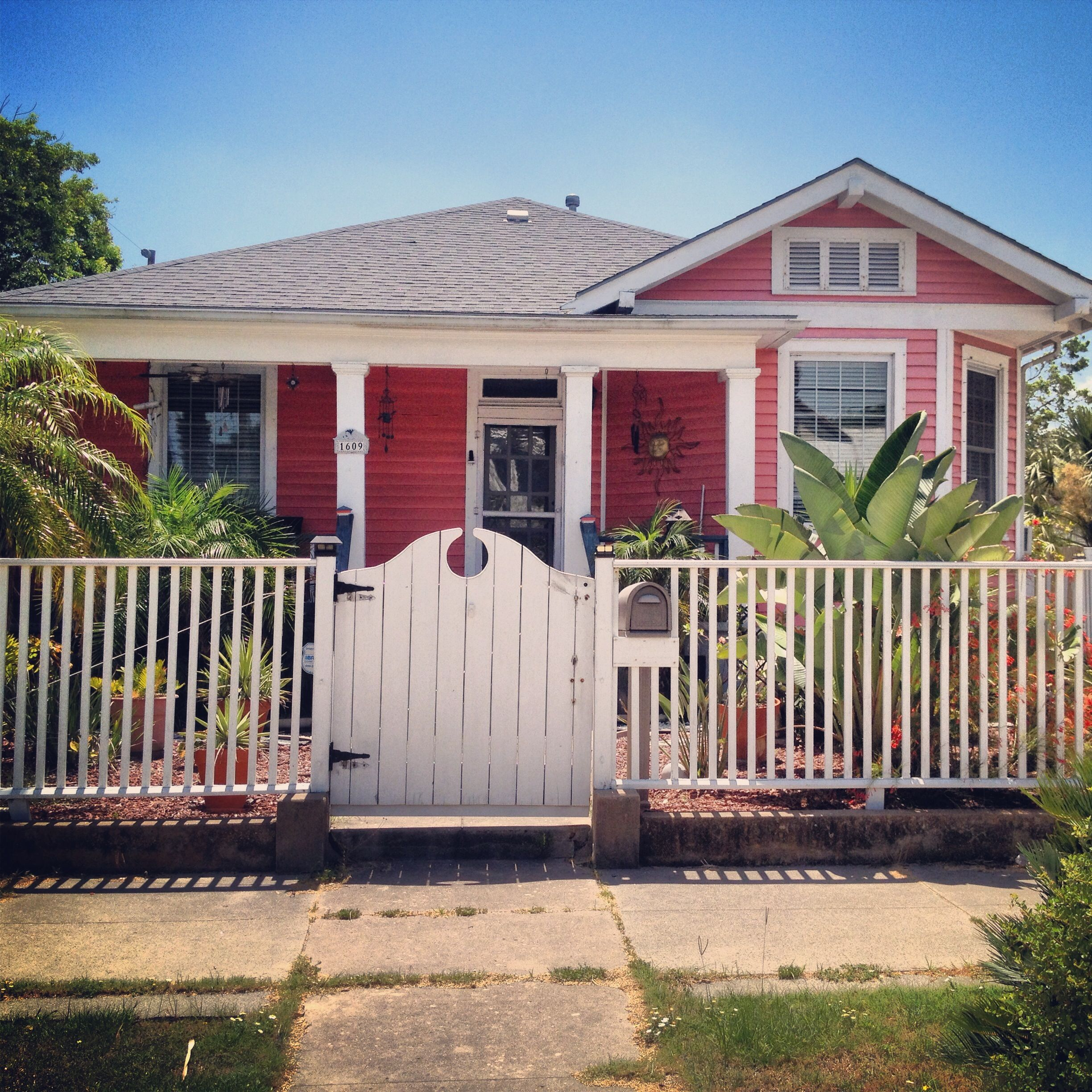 Small beach house in Galveston, Texas | Outside Looking On ...