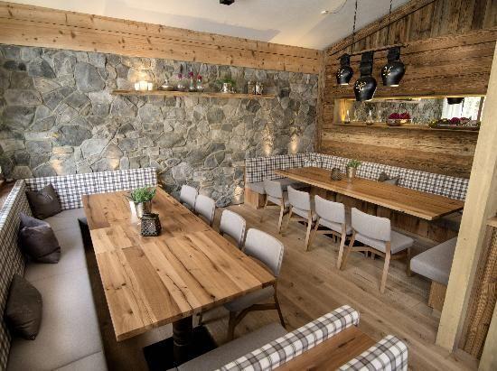 Bildergebnis für alm einrichtung Restauranteinrichtungen