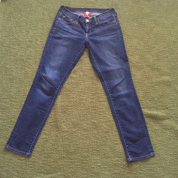 Lucky Jeans Size 27/4 Lucky brand skinny jeans. Great condition, only worn a handful of times. Lucky Brand Jeans