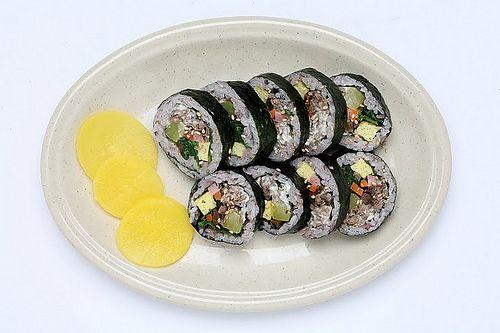 Korean food- 김밥 (Kimbap)